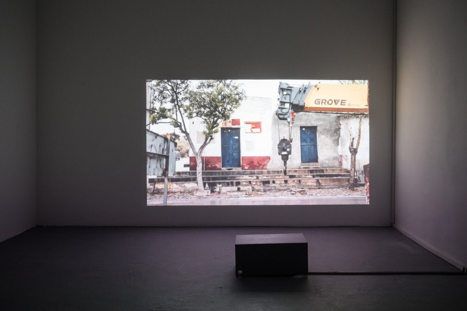 Marcela Armas, TSINAMEKUTA, 2018, Installation view basis 2018, photo: Günther Dächert