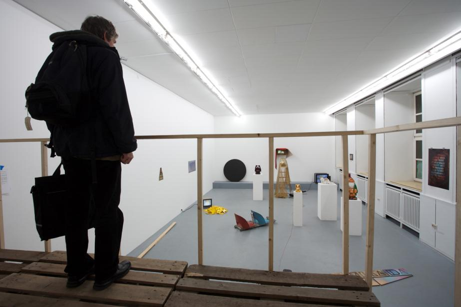 Projekt der Klasse Simon Starling, Sink the boat before it sails, 2008, Foto: Cem Yücetas