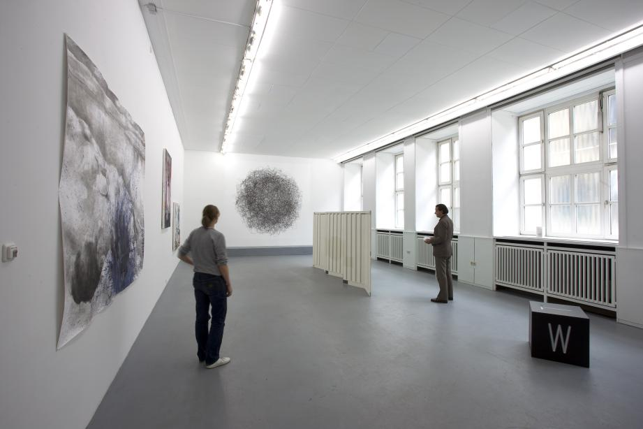 Ausstellungsansicht, Feeding the World, 2010, Foto: Cem Yücetas