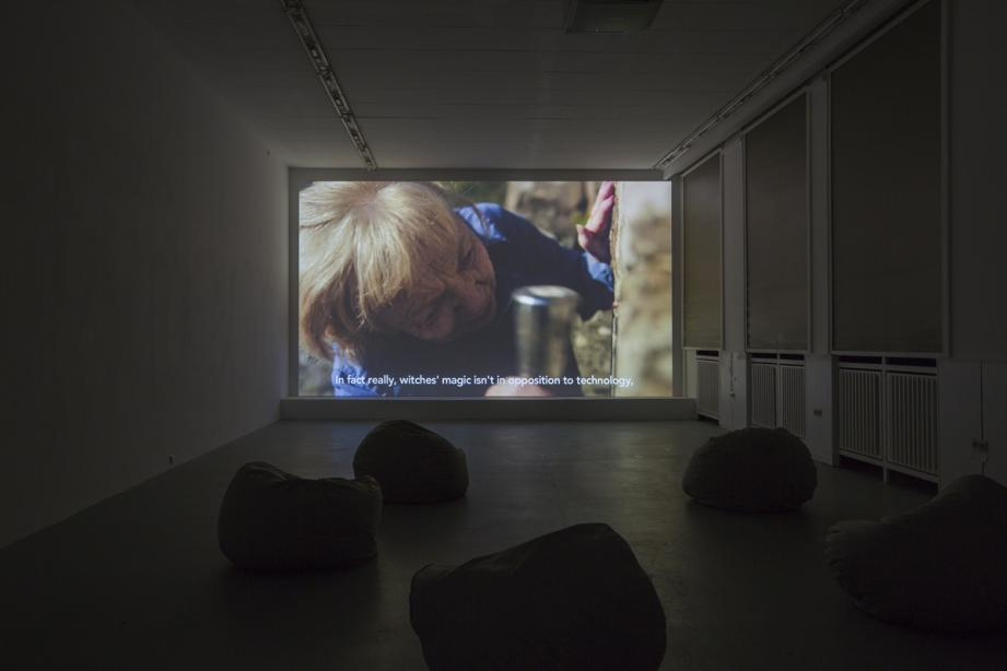 Installation View, Sarah Browne - The Invisible Limb, basis 2014, Foto: Katrin Binner